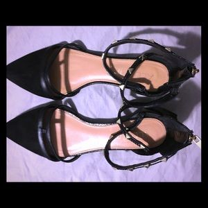 THE CUTEST pointed toe, ankle strap flats ever.